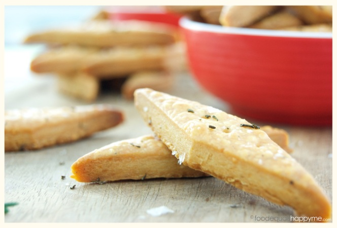 cheese crackers with rosemary & sea salt